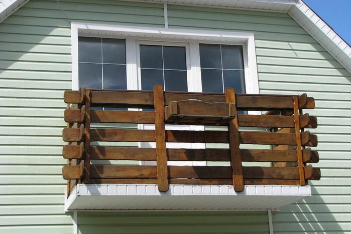 Балконное ограждение. Виды, характеристики, различия по материалу