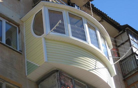 Особенности внешней обшивки балконов и лоджий