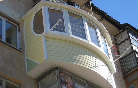 Отделка балкона сайдингом снаружи