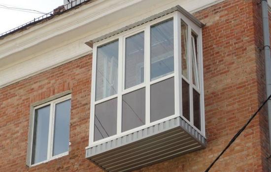 Варианты остекления балкона в хрущевке