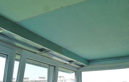 Внутренняя обшивка потолка балкона гипсокартоном