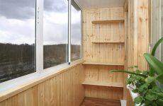 Как идеально обшить балкон вагонкой
